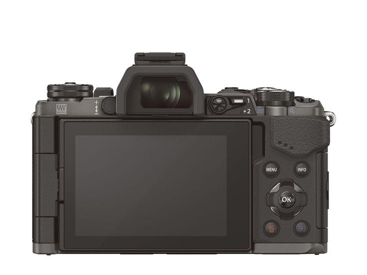 Ekskluzywna, limitowana wersja OM-D E-M5 w kolorze tytanu nawiązująca do wyjątkowego OM-3Ti z 1994r.