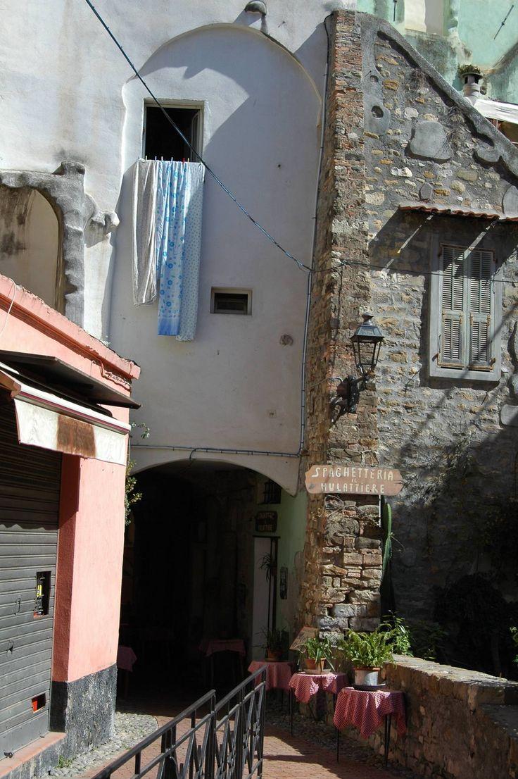 """Sanremo (IM) - centro storico della """"Pigna"""""""