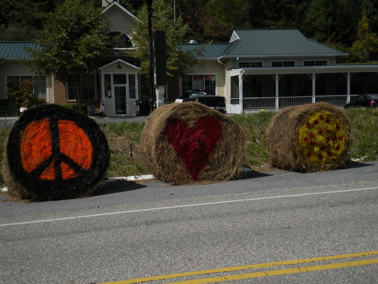 1000 images about hay bale decoration contest 2012 on for Bales of hay for decoration