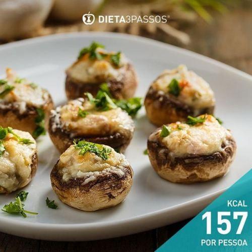 A nossa sugestão para hoje pode ser utilizada desde o 2º passo a dieta.  Descubra como fazer.  Cogumelos Portobello recheados com perú  Ingredientes (4 pax): Veja aqui ▶ (Facebook/Fotos/Nutrição 2017 | Dicas Saudáveis) ou Link: https://goo.gl/AvbICT +...