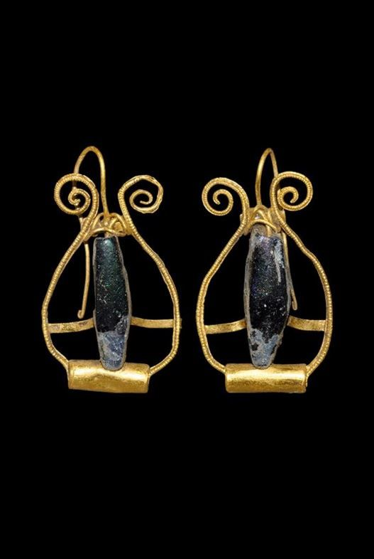 Roman Gold Lyre-Shaped Earrings, 2nd-3rd Century AD.