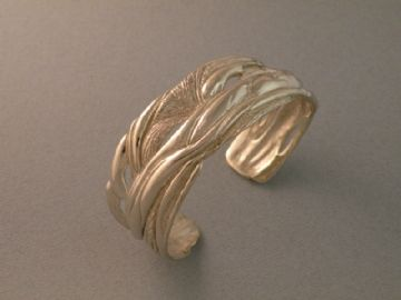 14k white gold free organic form cuff