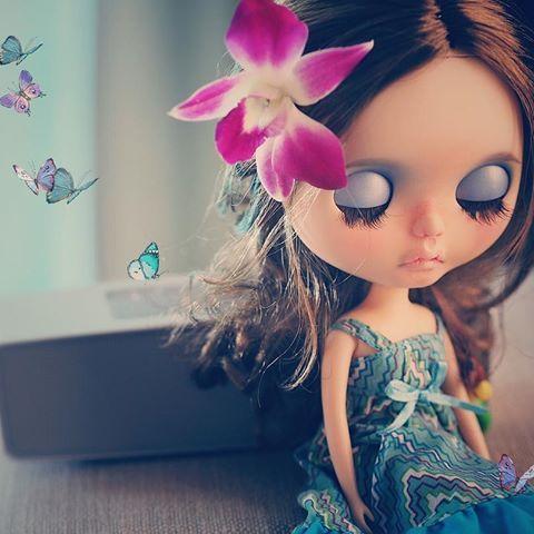 Me & moje motýli 🌾🌾 # blythe #blythedoll #customblythe #customblythedoll #blythestagram #instablythe #handmade #craft #Etsy #Etsyshop #anotherblythecustom #anotherblythe