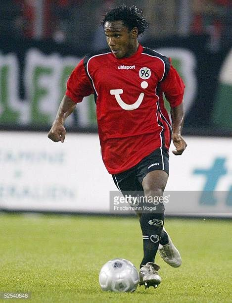 Fussball 1 Bundesliga 04/05 Hannover Hannover 96 Arminia Bielefeld 01 Julian DE GUZMAN / Hannover 280904