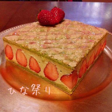 抹茶と苺のケーキ