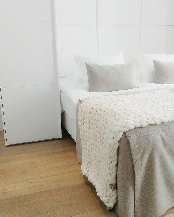 www.wolletjebol.nl chunky merino grof gebreid plaid deken kussens wol zomerplaid roomwit plaid wolwit // 90* 250 cm