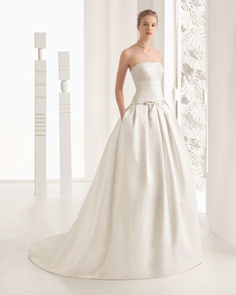 Tupfenbrokatkleid, naturfarben. Cloqué-Kleid, naturweiß. Mikado-Kleid, naturfarben. Kleid aus Mikado-Seide, naturweiß.