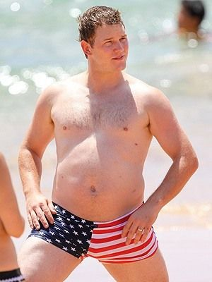 Before becoming Hollywood's leading actors, Chris Pratt once weighed 300lbs. He was required to keep the weight for his show Parks and Recreation.