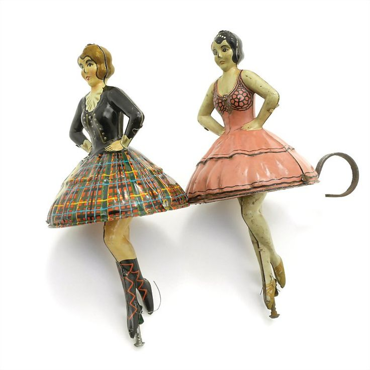 Dancer toys, Germany (around 1925)~Image via Ladenburger Spielzeugauktion