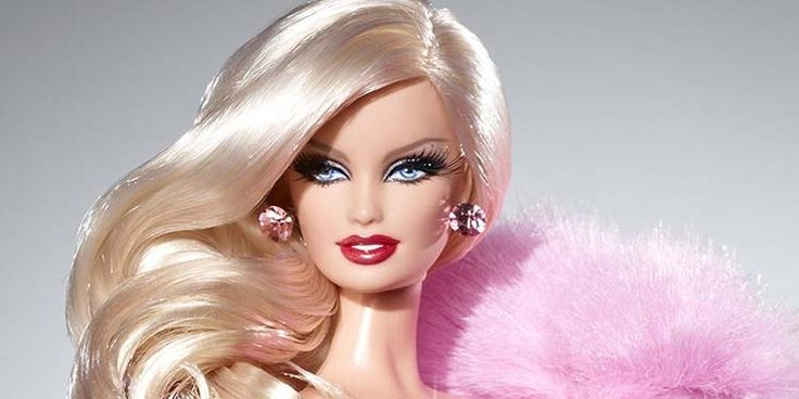 Il 9 marzo 1959 debuttava nei negozi la bambola Barbie. È la bambola più venduta al mondo e prodotto di punta della sua casa di produzione. Il personaggio della linea più venduto è stata la Totally Hair Barbie, con capelli acconciabili lunghi fino ai piedi della bambola, distribuita nel 1992.