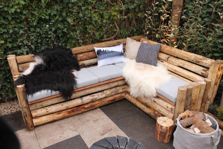 Après-skiën in de achtertuin. Tom maakt voor een skituin, met onder andere twee stoere loungebanken die een gezellig winters gevoel geven. Volg de werkbeschrijving als jij binnenkort ook in je tuin wil chillen!