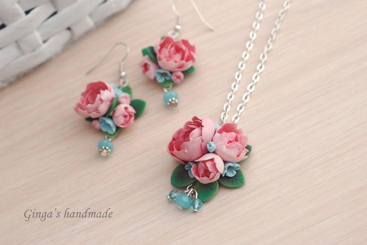 Polymer clay earrings. Handmade pink flowers earrings and pendant.