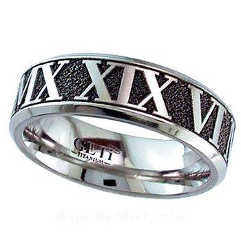Geti Flat Titanium Inverted Roman Numeral Ring