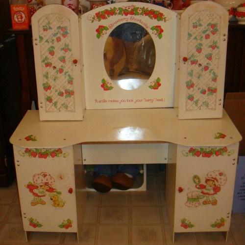 Strawberry Shortcake Child Sized Vanity with Stool Furniture Piece Vintage Sweet | eBay
