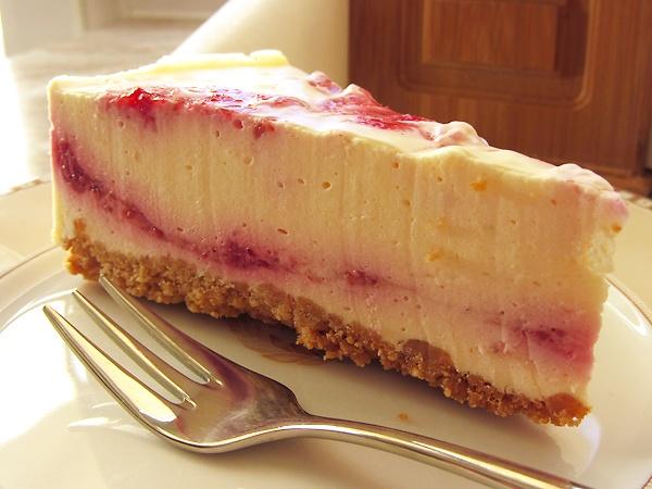 Малиновый (ягодный) торт с греческим йогуртом
