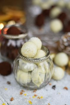 Kokos Pralinen & Marzipan Pralinen - Coconut and/or Marzipan Truffles | Das Knusperstübchen