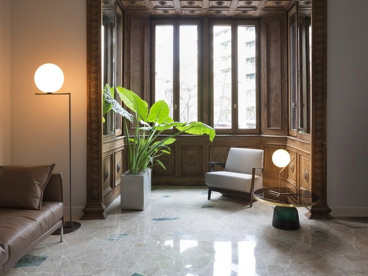 BRASS FLOOR LAMP IC LIGHTS F1 BY FLOS | DESIGN MICHAEL ANASTASSIADES