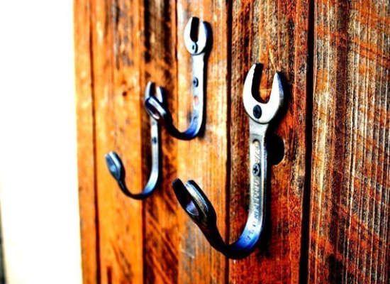 ******* LUV IT ******* 141229m   ❤️❤️❤️   Bent wrenches make DIY coat racks