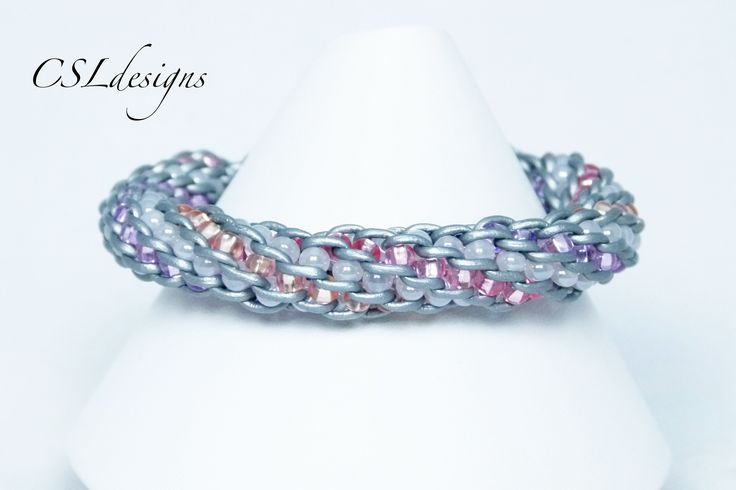 Four colour inside beaded kumihimo braid - excellent video tutorial