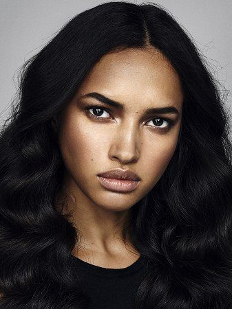 IMG Models > Paris > New Faces > Camila Costa