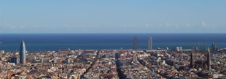 Barcelona, la capital de Cataluña, es conocida por su carácter emprendedor y dinámico. Es una ciudad abierta a las personas y al mundo y un referente social y económico internacional. Es un referent mundial en espacio público y a la vez es la máxima expresión de la cultura Mediterránea. #SmartCity #Mediterranean #Barcelona #dynamic #capital #culture