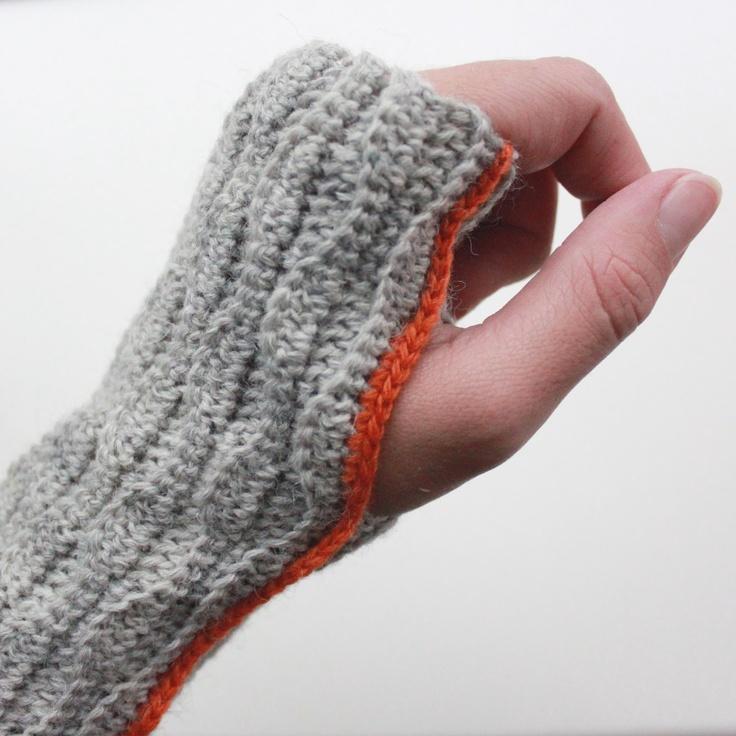 Lutter Idyll: Crochet wrist warmer ...