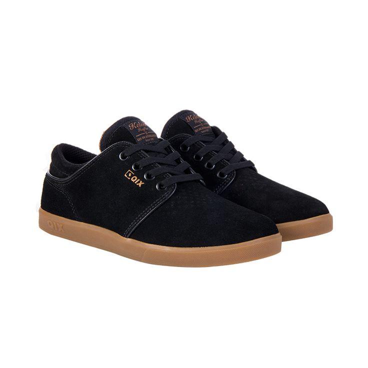 Kelvin Hoefler Qix skate shoes in black
