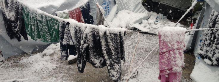Der Kälte ausgeliefert JEDE MINUTE ZÄHLT Schnelle, unbürokratische Hilfe für die frierenden Flüchtlinge in Serbien und Griechenland! Unterzeichnen Sie unsere Petition:  HIER_WeMove.EU