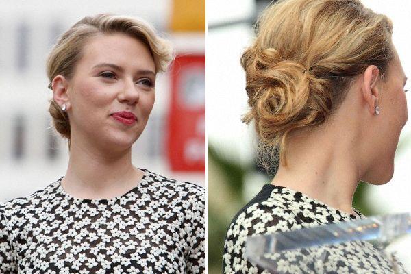 Scarlett Johansson, bellisima sobre la alfombra roja. La actriz optó por un recogido con torzadas y jopo para darle forma a su flequillo ¿Qu...