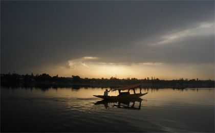 Kashmir package tour – We provide wonderful and glorious Kashmir package at reasonable price cover excellent facilities at www.kashmir.co .