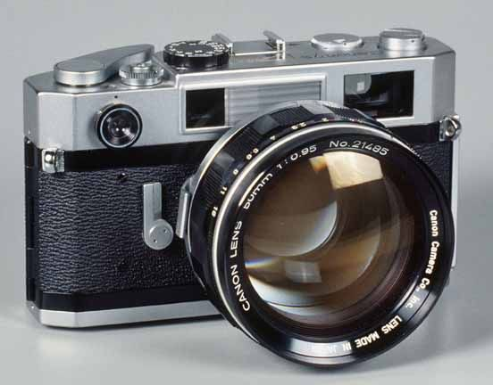 canon 7S rangefinder with the 50mm f/0.95. yes please.
