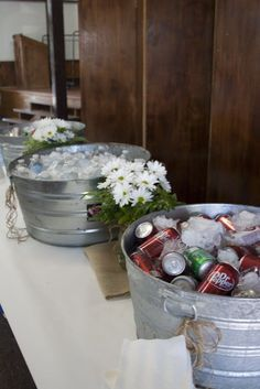 burlap graduation party ideas | drink station. graduation party. burlap. butcher paper. daisies ...