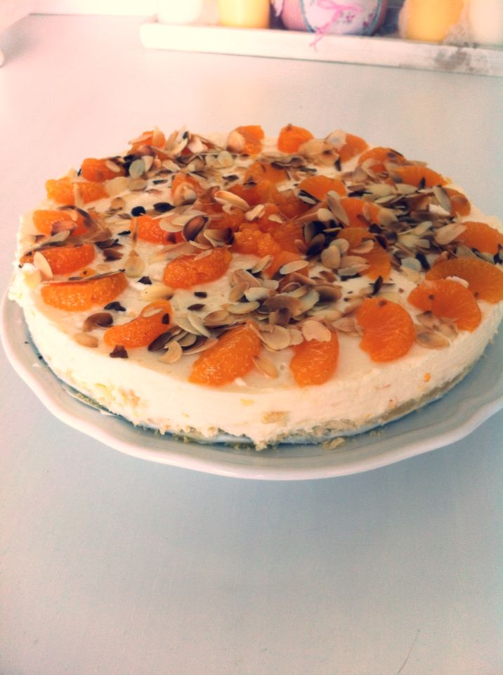Peach and almond cheesecake with a cookie bottom. | Felies01 |
