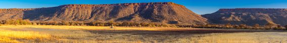 Waterberg Plateau in de avondzon, Namibië