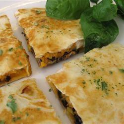 Quesadillas aux haricots noirs et à la patate douce @ qc.allrecipes.ca