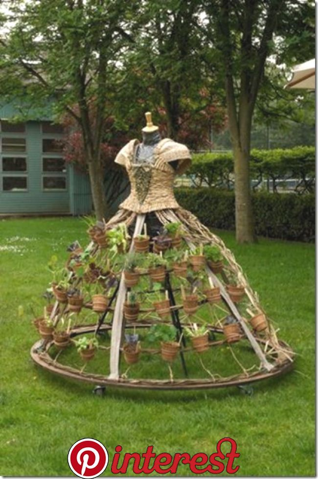 Garden Art I Just Love Getting New Ideas For My Yard Don T You These Are Some Wonderful Garden Art Ideas To Save Garden Art Diy Garden Dress Upcycle Garden