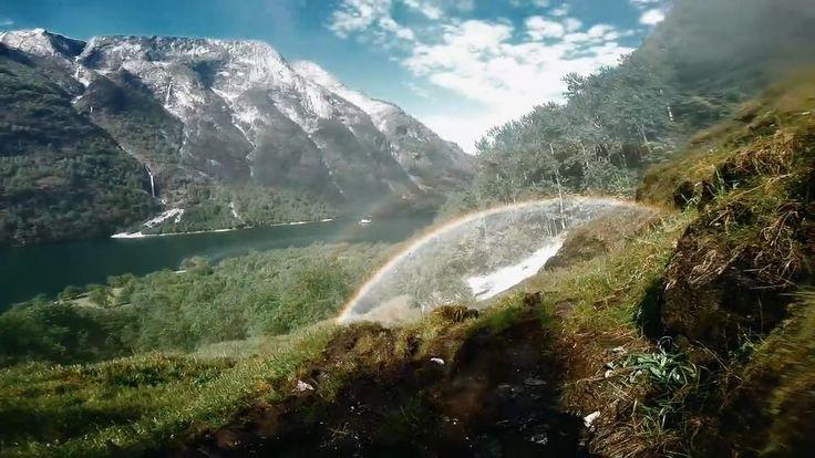 Для тех, кому надоели картинки сладкой тропической жизни - суровое очарование Норвегии с борта SUP.