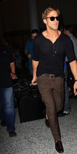 Mr. Gosling...growl: Ryangosling, Airports, Men Style, Brown Slacks, Dresses, Men Fashion, Ryan Gosling Style, Guys, Black