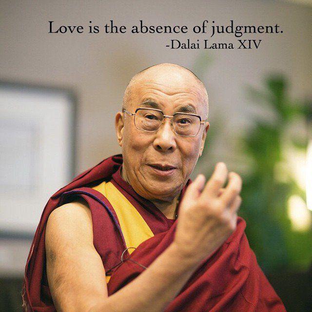 Le Dalai Lama a 80 ans. C'est donc l'occasion de revenir sur les phrases les plus inspirantes qu'il ait pu dire. Le Prix Nobel de la paix 1989 a eu 80 ans, le 6 juillet dernier. Ainsi, des milliers de sympathisants ...
