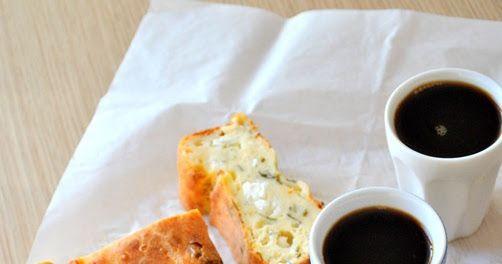 Και κρεμάστε το μίξερ…ψηλά Υλικά 1 κεσεδάκι των 200 γρ. γιαούρτι παραδοσιακό 1 κεσεδάκι αλεύρι που φουσκώνει μόνο του 1 κεσεδάκι τυρί φέτα τ...