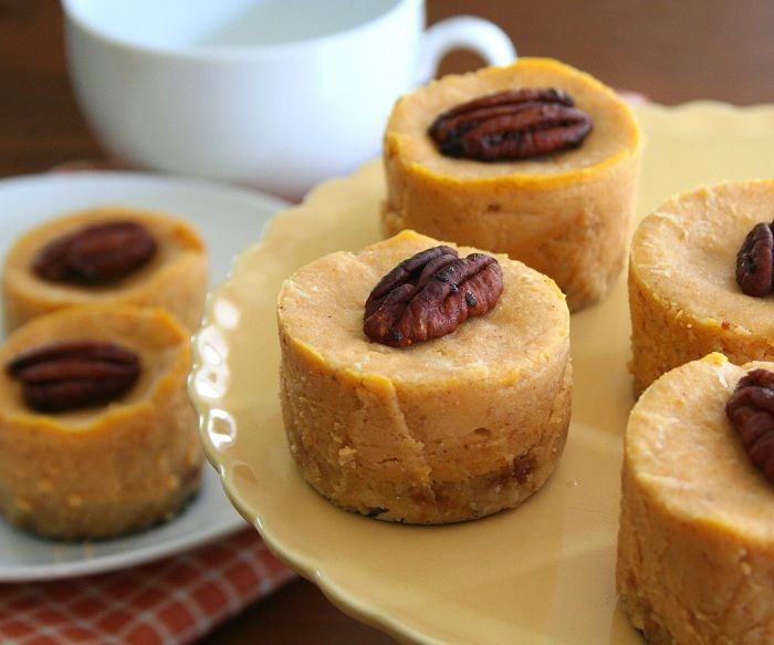 Low Carb Mini Pumpkin Cheesecake Recipe with Maple Shortbread Crust - the ideal low carb dessert for Thanksgiving!