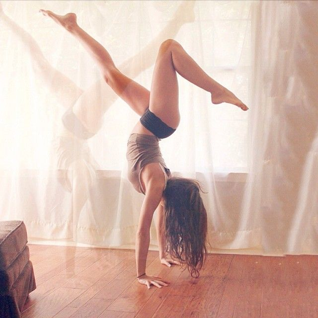 nice #silhouette image. #yoga #handstand