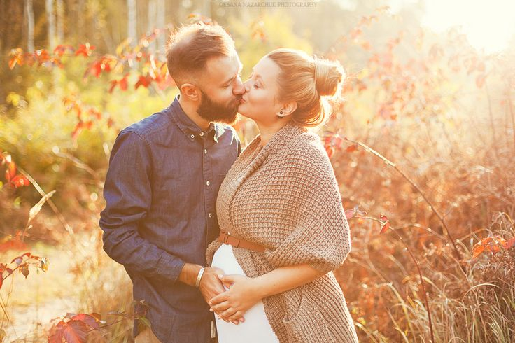 beautiful pregnancy woman, summer photoshoot, autumn photoshoot, sunset, sunlight, man and woman, wife and husband, kiss