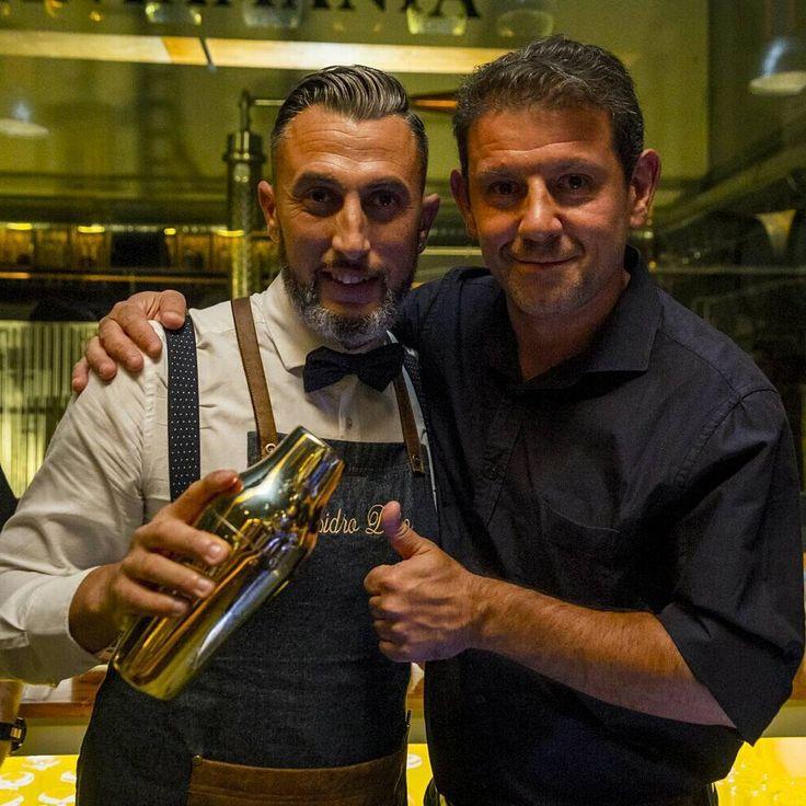 Compartir los mejores momentos con grandes amigos no tiene precio. #isidrodiaz #isibartender #bartender #SANTAMANIA #santamania #lasrozas #madrid #gintonic
