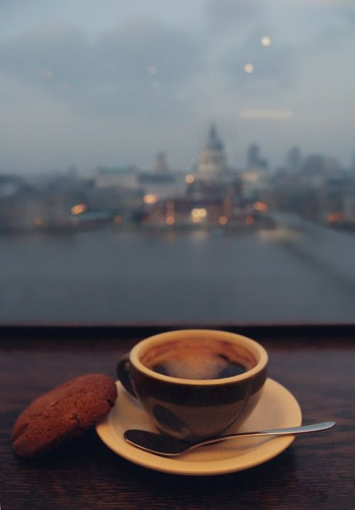 Wanna drink some #coffee in #london? Go on a language holiday in the UK…