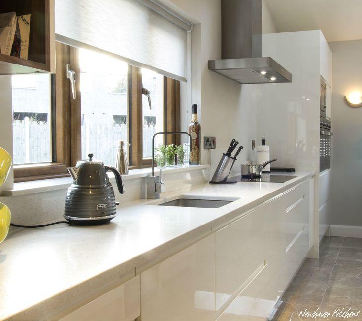 White Gloss Handleless Kitchen