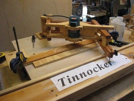 Router Pantograph by Tinnocker -- Homemade router pantograph constructed from wood in accordance with Matthias Wandel's plans. http://www.homemadetools.net/homemade-router-pantograph-2
