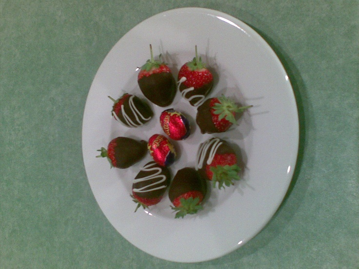 Strawberries dipped in choc to enjoy on a romantic getaway at Cradle Chalet Boutique Luxury Lodge, Tasmania