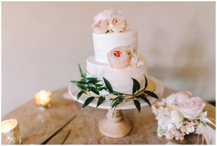 Satura Cakes wedding cake at Clos LaChance Winery wedding // Ahava Studios
