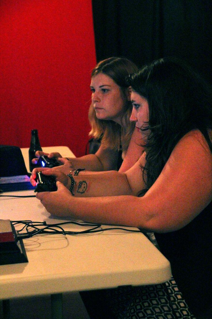 Combat épique de jeu vidéo #videogame #GirlPower (photo C. Badaroux)